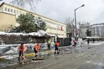 DAR SOKAKLAR - Maltepe'de Karla Mücadele Aralıksız Sürüyor