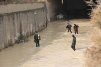 YALıNAYAK - Mersin'de Kayıp 2 Kişinin Aranmasına Devam Edildi
