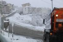 SERDİVAN BELEDİYESİ - Serdivan Belediyesi Kar Mücadelesini Sürdürüyor