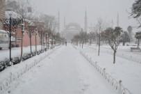 AYASOFYA - Sultanahmet'te Kartpostallık Görüntüler