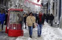 İSTİKLAL CADDESİ - Taksim'de Kartpostallık Görüntüler