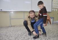 423 Suriyeli Öğrenciye Giysi Ve Ayakkabı Yardımı