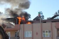 İTFAİYE ERİ - Antalya'da Korkutan Teras Yangını