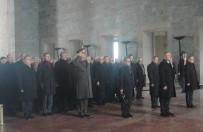 ANıTKABIR - Bakan Çavuşoğlu Ve Büyükelçiler Antıkabir'de