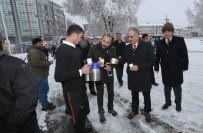Başkan Aydın'dan Karla Mücadele Ekiplerine Çay İkramı