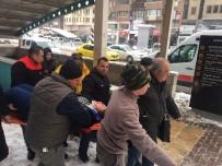 METRO İSTASYONU - Bursa'da Buzda Düşen Genç Kız Hastanelik Oldu