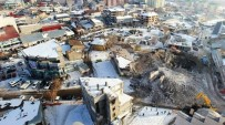 YIKIM ÇALIŞMALARI - Erciş'te İş Yerlerinin Yıkımına Başlandı