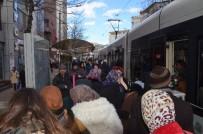TRAFİK SORUNU - Eskişehirlilerin Tramvay Çilesine DP'den Çözüm Önerileri