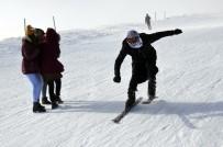 ÇALIŞAN ÇOCUKLAR - Güneydoğu'nun Tek Kayak Merkezi Karacadağ'da Kayak Sezonu Açıldı