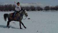 ERCIYES - Kar Tatilini Erciyes'in Eteklerinde At Sürerek Değerlendirdi
