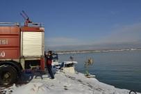 İTFAİYE MÜDÜRÜ - Karla Kapanan Yolları Deniz Suyu İle Açıyorlar
