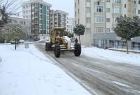 KARTAL BELEDİYESİ - Kartal'da Karla Mücadele Çalışmaları Devam Ediyor