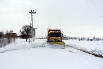 Kırsal Mahallelerde Karla Mücadele Ekiplerinden Yoğun Mesai