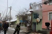 Kütahya'daki Ev Yangını Büyümeden Söndürüldü