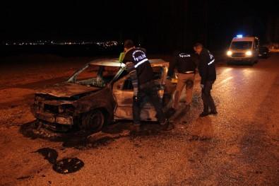 Taksiciyi dövüp aracını yaktılar