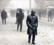 İSTİKLAL CADDESİ - Taksim'den Kar Manzaraları