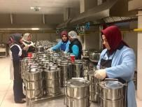 ÜMRANİYE BELEDİYESİ - Ümraniye'de Bin Yüz Kişiye Sıcak Yemek