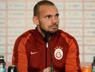 Wesley Sneijder: Galatasaray'da devam etmek istiyorum