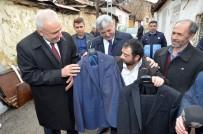 UĞUR POLAT - Yeşilyurt Belediyesi Evi Yanan Mersedes Kadir'e Yardım Elini Uzattı