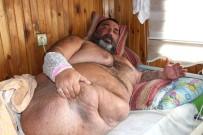 300 Kilo Ağırlığında Yataktan Kalkamıyor