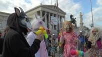 DİN ÖZGÜRLÜĞÜ - Avusturya'da Yürürlüğe Giren 'Burka Kanunu' Protesto Edildi