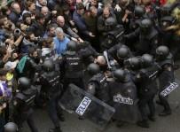 GÖZ YAŞARTICI GAZ - İspanya'da 'Referandum' Çatışması