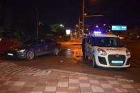 DEDE KORKUT - Otomobil İki Araca Çarpıp Kaçtı Açıklaması 1 Yaralı