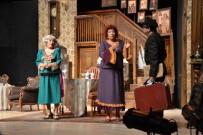 BROADWAY - Ünlü Broadway Oyunu 'Ahududu', Biga'da Sahnelendi