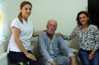 TEPECIK EĞITIM VE ARAŞTıRMA HASTANESI - 80'Lik Ahmet Amca Şarkılarıyla Hastalara Moral Veriyor