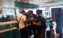 AMSTERDAM - ABD'li Yolcular Atatürk Havalimanı'nda Vize Engeline Takıldı