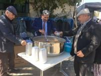 CIHANGIR - Altıntaş Belediyesi 4 Bin Kişiye Aşure Dağıttı