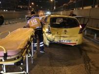 ULUBATLı HASAN - Anayolda Geri Geri Gidiyordu, Arkadan Gelen Kamyonet Çarptı Açıklaması 2 Yaralı