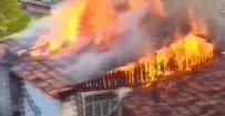 Bacadan Çıkan Yangın, Kış Arefesinde 3 Kişilik Aileyi Evsiz Bıraktı