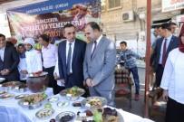 NİHAT ÇİFTÇİ - Büyükşehir Belediye Başkanı Nihat Çiftçi Aşure Dağıttı