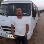 MİNİBÜS ŞOFÖRÜ - Otomobil, Öğrenci Almaya Giden Servise Çarptı Açıklaması 1 Ölü, 1 Yaralı