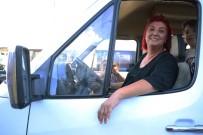 KADIN ŞOFÖR - Unuttuğu Çantayı Getirmeyen Şoföre Kızıp Servis Şoförü Oldu