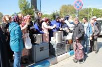 AHMET ŞAHIN - AK Parti Biga İlçe Teşkilatı  Aşure Dağıttı