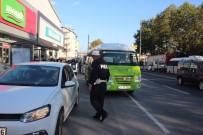 IŞIK İHLALİ - Ayakta Yolcu Taşıyan Midibüs Şoförlerine Ceza Yağdı