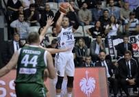 MAXIM - Beşiktaş, İtalya Ekibe Yenildi