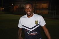 MUSTAFA UYSAL - Nijeryalı Genç Forvet Doğanspor'da