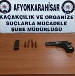 RUHSATSIZ SİLAH - Polis Araçta Yaptığı Aramada Ruhsatsız Tabanca Yakaladı