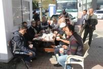 POLİS MERKEZİ - Polis Eşleri Görev Başındaki Polislere Aşure Dağıttı