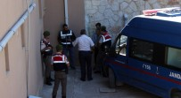 AKDENIZ ÜNIVERSITESI - Savcıyı Vuran Polis Ve Eşi Adliyede