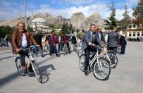 Tokat'ta Mahalle Muhtarlarına Bisiklet