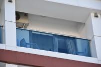 İÇKİ ŞİŞESİ - Turist Otel Odasında Ölü Bulundu