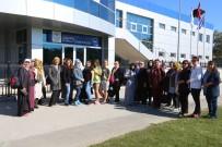 HAREKETSİZLİK - Adapazarı Belediyesi Yüzme Kursuna Start Verdi