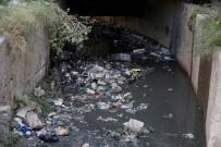 CİZRE BELEDİYESİ - Cizre Belediyesi Açık Yağmurlama Kanallarında Temizlik Çalışması Başlattı