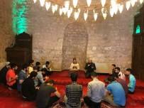 Diyanet Gençlik'ten Tarihi Camiye Ziyaret