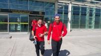 SERÇE PARMAĞI - Elazığspor 23 Futbolcuyla İstanbul'a Gitti