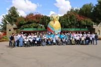 DEVE KUŞU - Engellilerin Hayvanat Bahçesi Keyfi